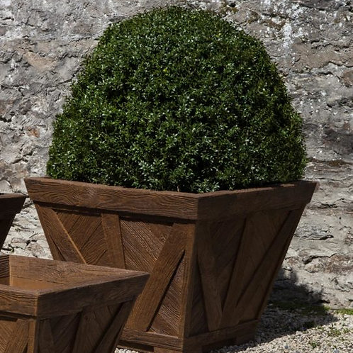 Williamsburg Parterre Planter