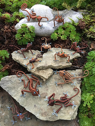 Recycled copper wire geckos
