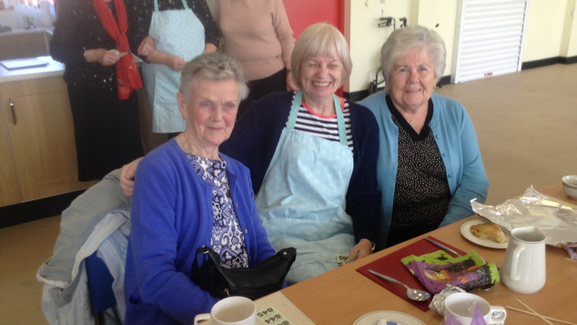 Mary with  Geraldine and Anne (volunteers) Sophie, Mary (volunteer) and Betty
