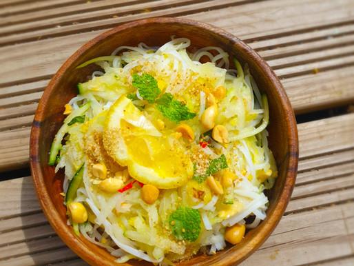 Salade pad thaï à la papaye verte et à l'ananas
