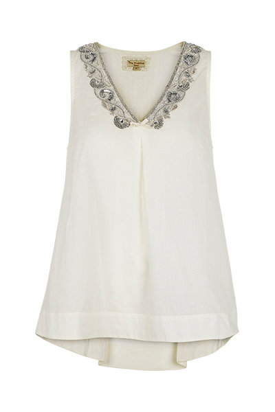 2389B - V top w.embroidery -Off-white