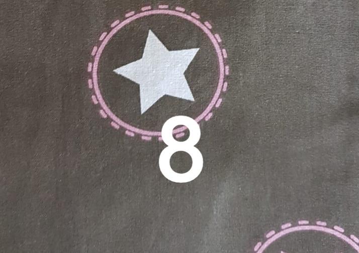 8. Tissu marron à étoile
