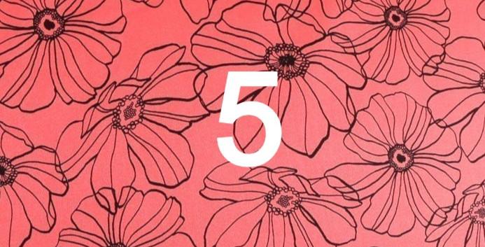 Tissu fleuri rouge 5