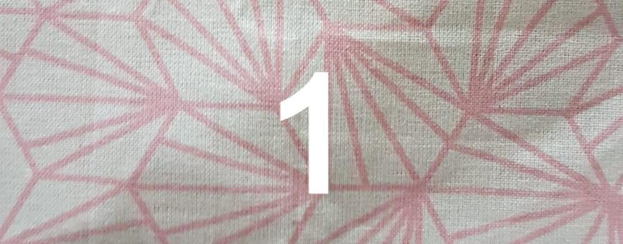 1. Tissu géométrique rose