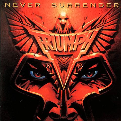 CD Triumph - Never Surrender - Lacrado