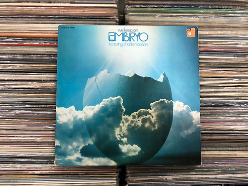 LP Embryo Featuring Charlie Mariano - We Keep On - Capa Dupla