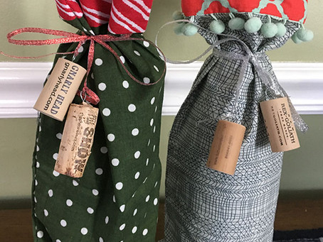 On the 10th Day of Stitchmas: Wine Bottle Gift Bag