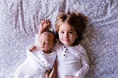 Bébé et sa soeur