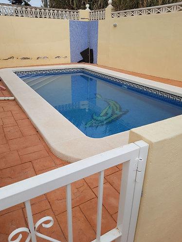 Villa with pool.near beach.