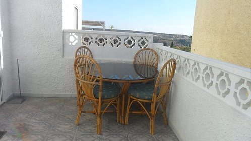 3 bed villa with pool urb ref135