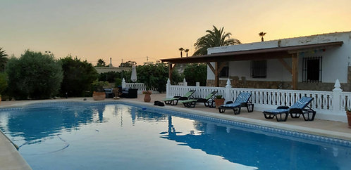 FINCA  WITH POOL AND 3 CABINS