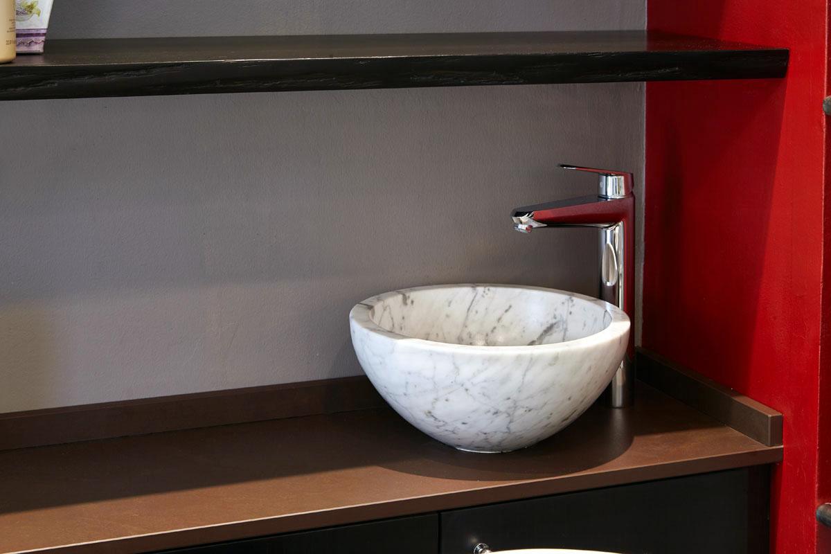 dettaglio lavello in marmo