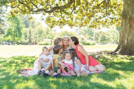 Profiter d'être réunis pour faire une séance photo en famille