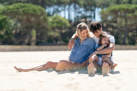 Une jolie séance grossesse en famille sur la plage à Arcachon
