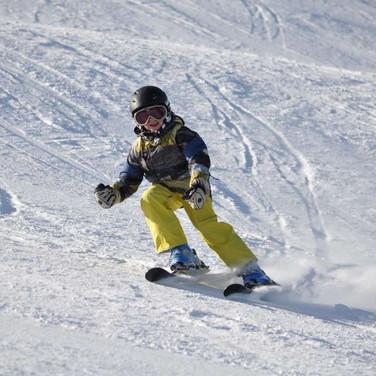 Carvingové lyžování dětí