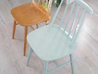 Kierrätys tuolien maalausta