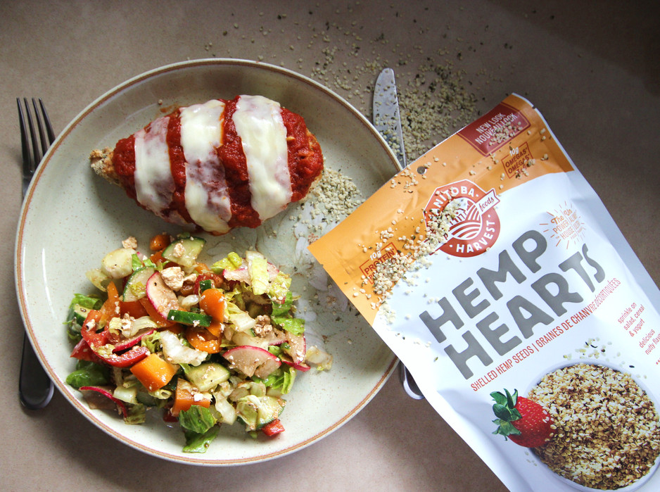 Quick & Healthy Dinner: Baked Chicken Parm w/ Salad