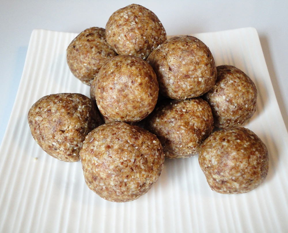 Raw Vegan Gingerbread Bites