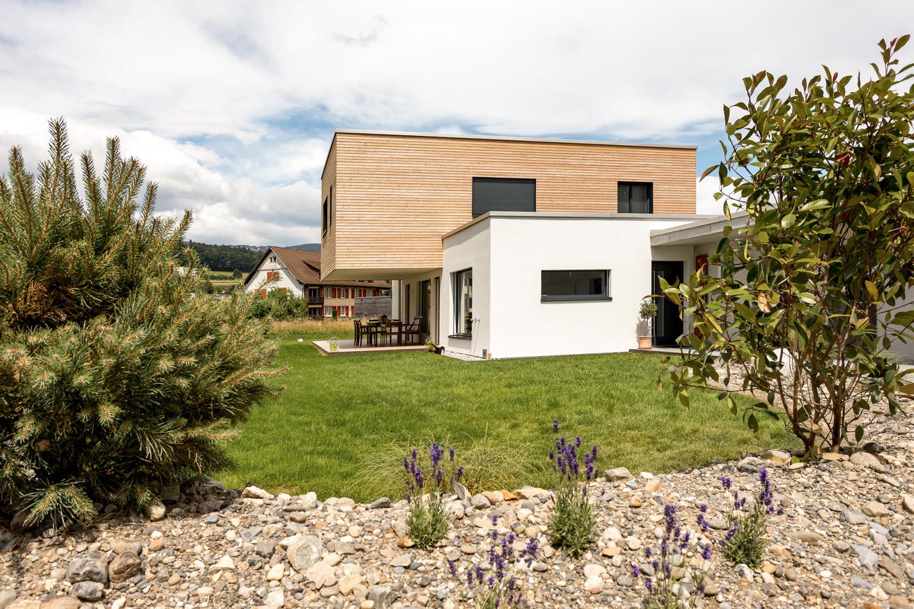 Drihnenbilder Einfamilienhaus Riedholz