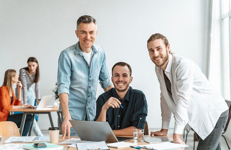 businesspeople-meeting-office-working.jpg