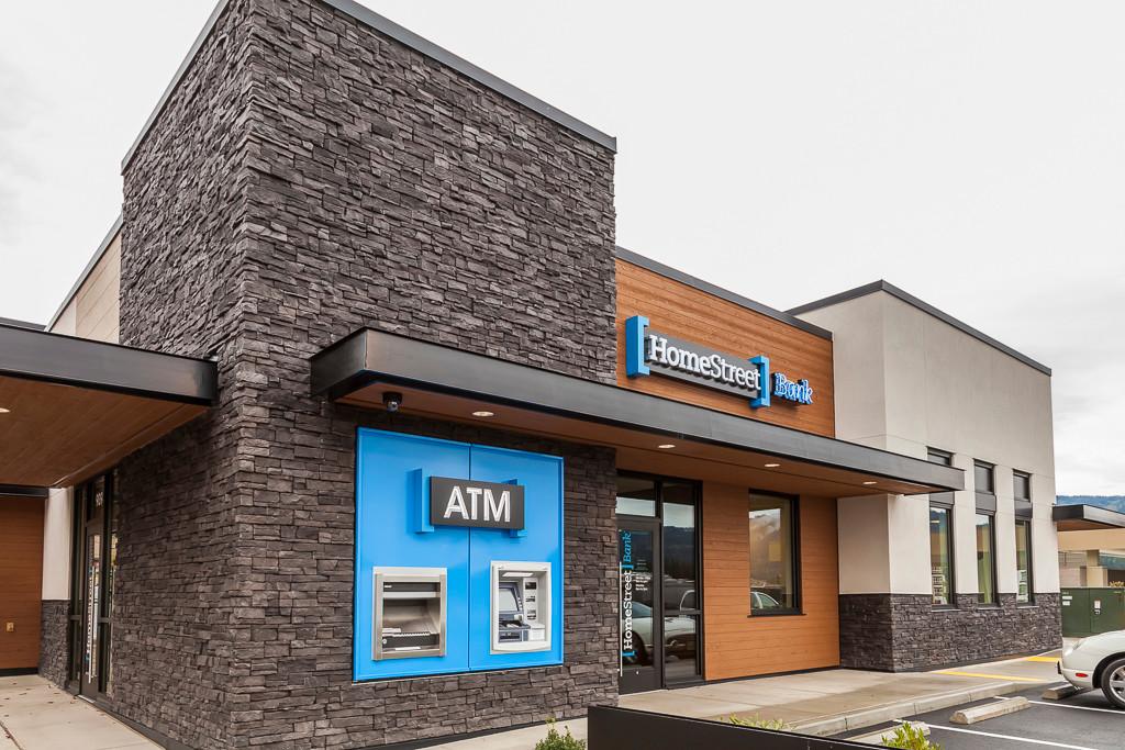 HomeStBank Iss 03 exterior ATM 1 sm.jpg