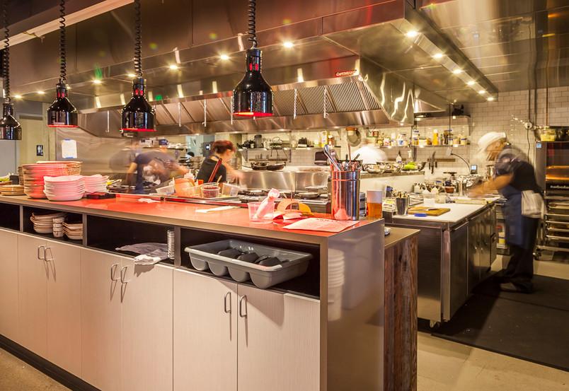 Mollusk 11 kitchen 1 s.jpg