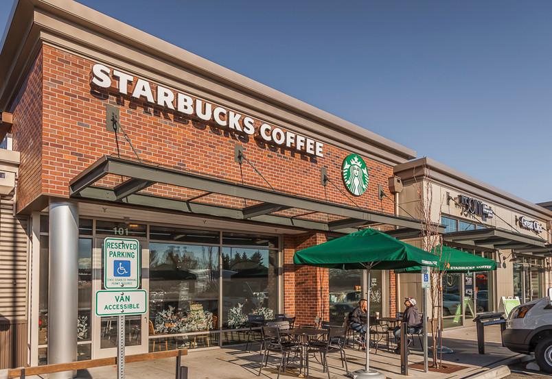 Lynwd Crosrd 09 Starbucks 2 s.jpg
