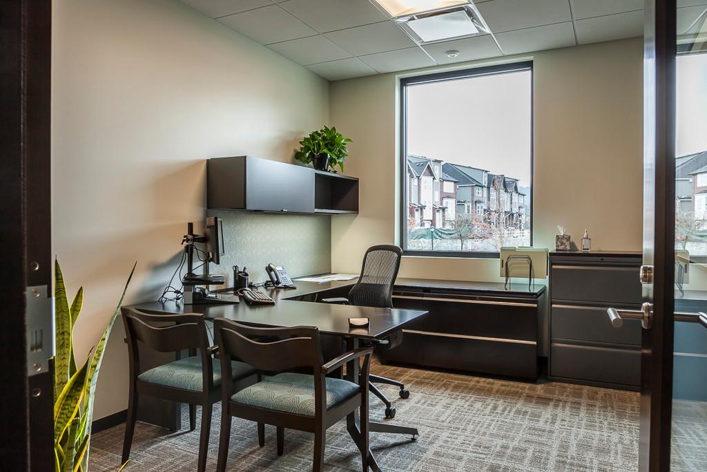 HomeStBank Iss 16 exec office 1 sm.jpg