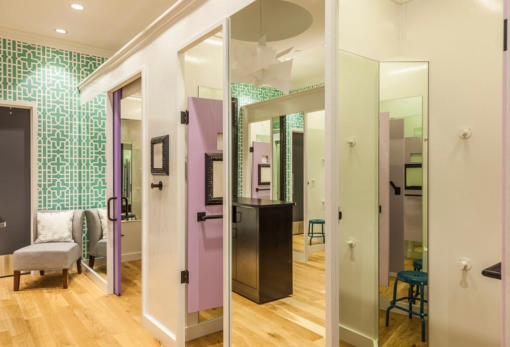 ivivva 03 dressing rooms 2 s.jpg
