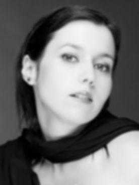Soprano profesional y profesora de canto en Madrid. Clases de canto para niños y adultos. Estudio propio en Madrid