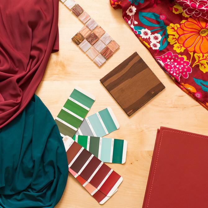 Марсала и изумрудный цвета в дизайне интерьера квартир