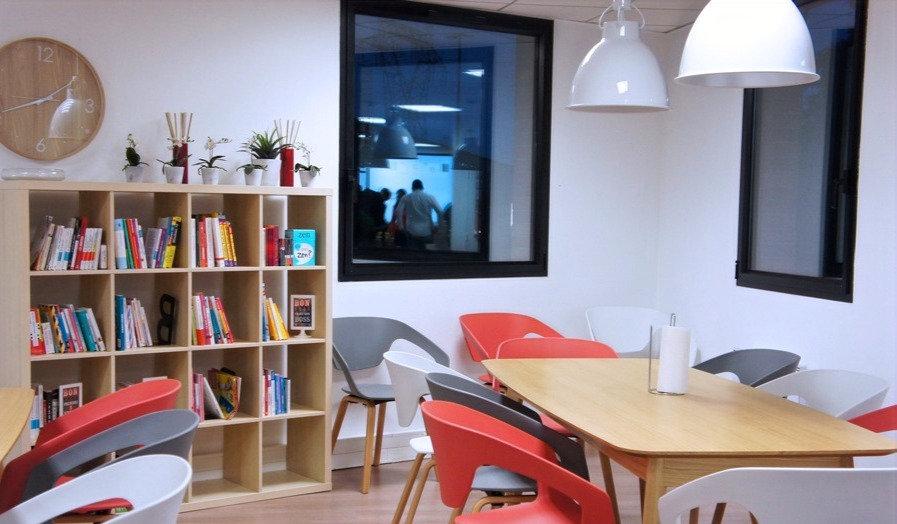 sam-top-office___publi%C3%A9_edited.jpg