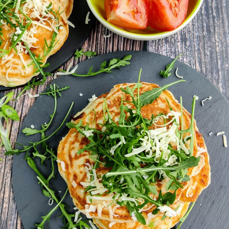 Fluffy pancakes with cheese and spring onions