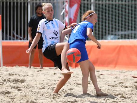 Drie speelsters van KTPNieuw-Roden Beach Soccer Clubin voorselectie Oranje voor het EK