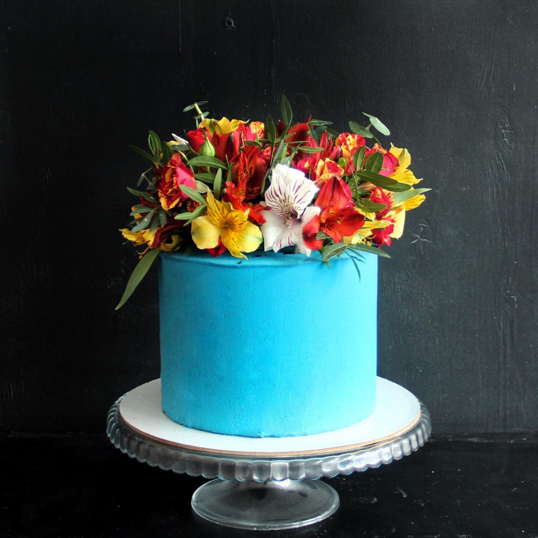 свадебный торт цветочная корзина