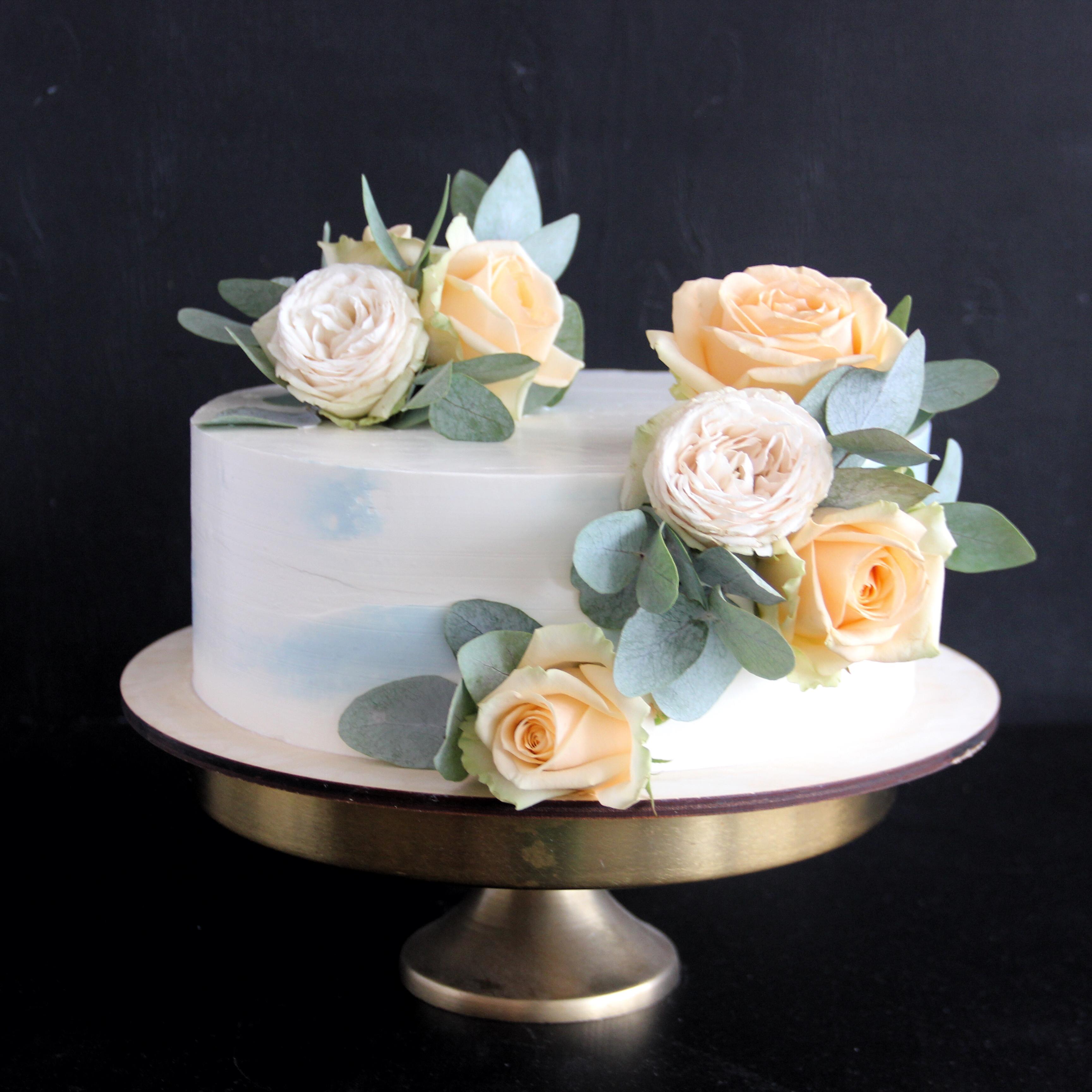 небольшой свадебный торт