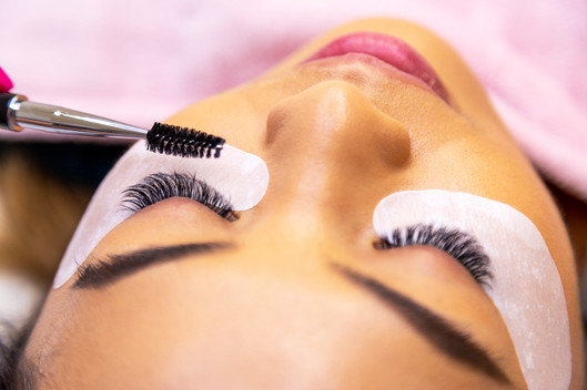 Russian Volume Natural 4-6D Eyelash Extensions London