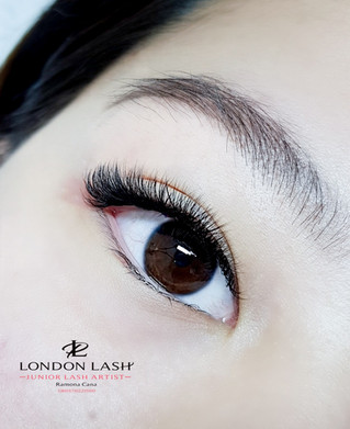 Natural Russian Volume 3-4D Eyelash Extensions London