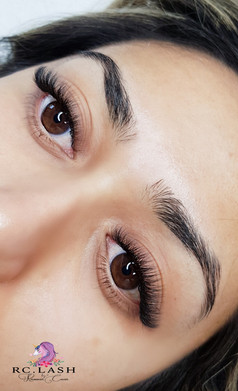 Natural Russsian Volume 4-5D Eyelash Extensions London