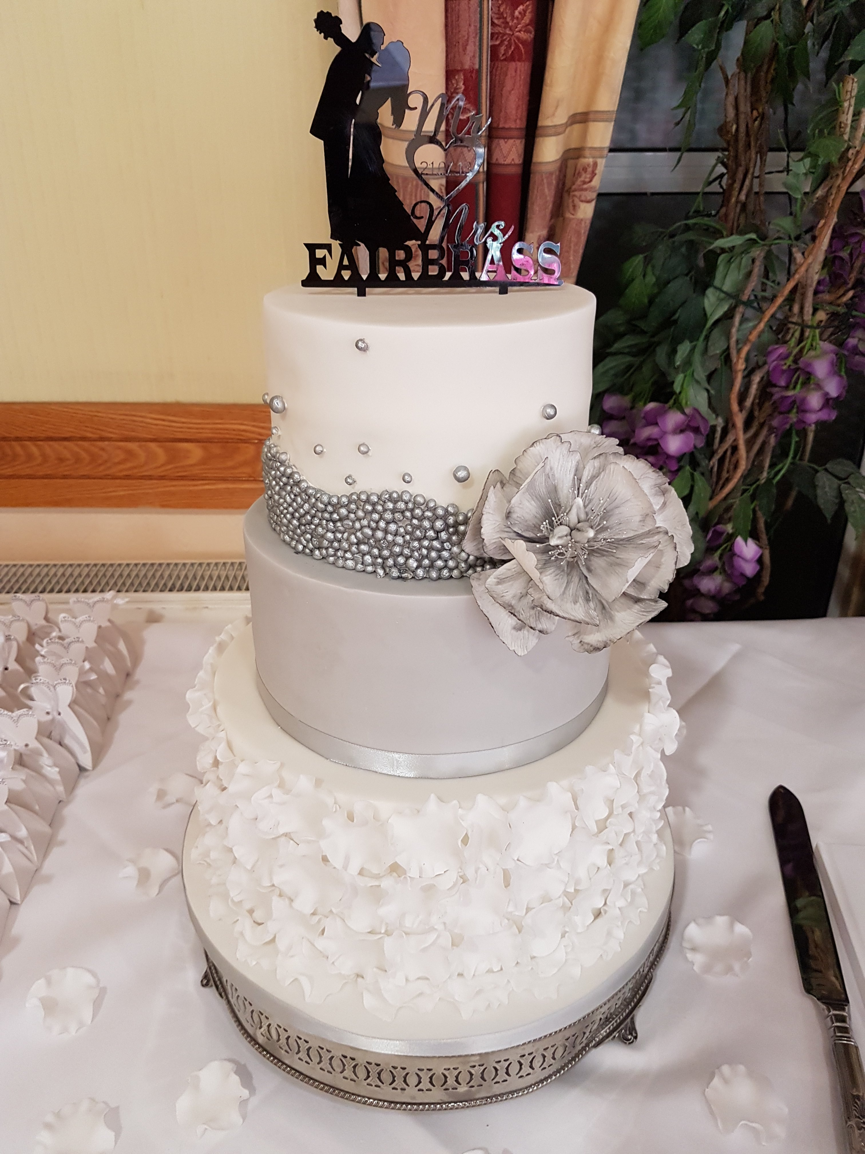 Ruffle Peony cake