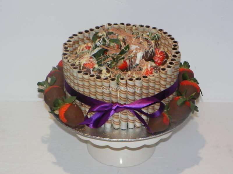 chocstrawberrycake.jpg