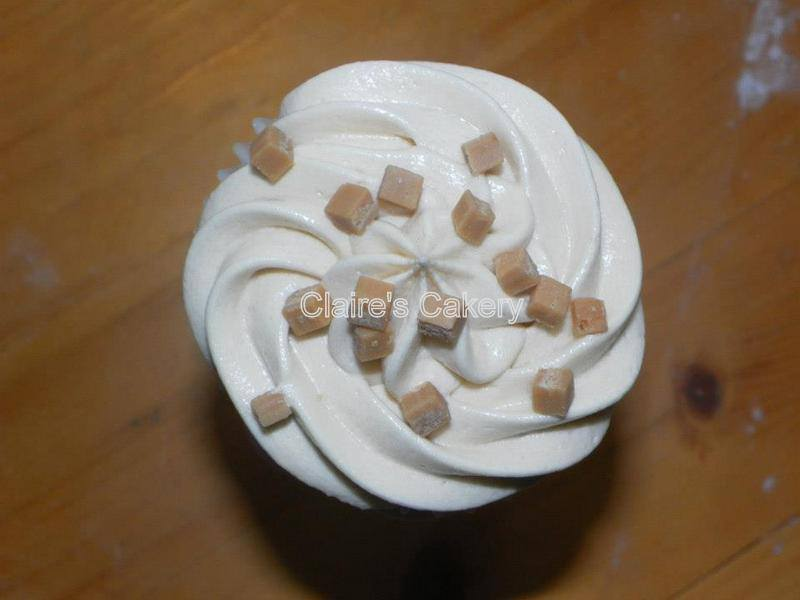 Snickledoodle cupcakes