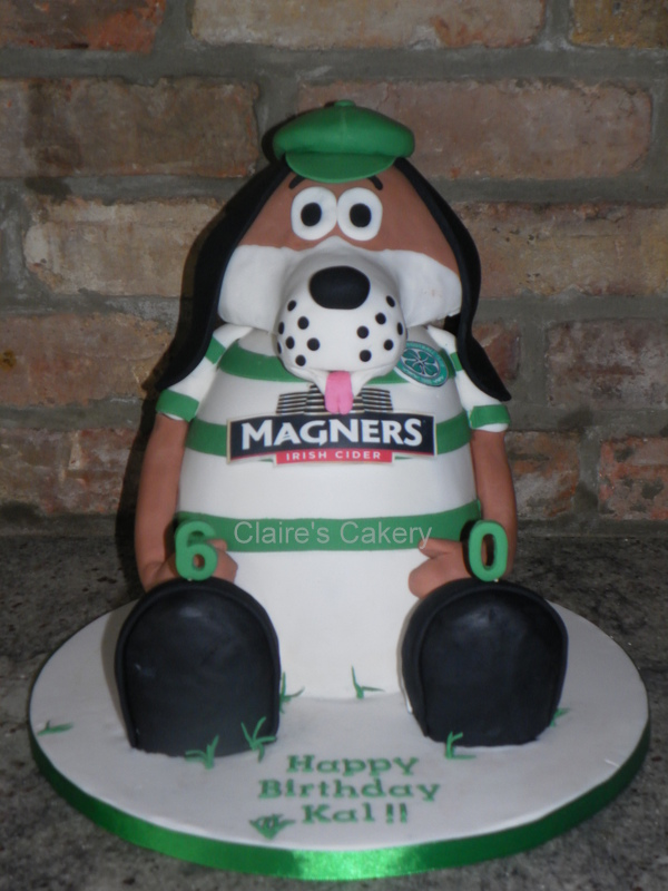 Hoopy the Huddle Hound Cake