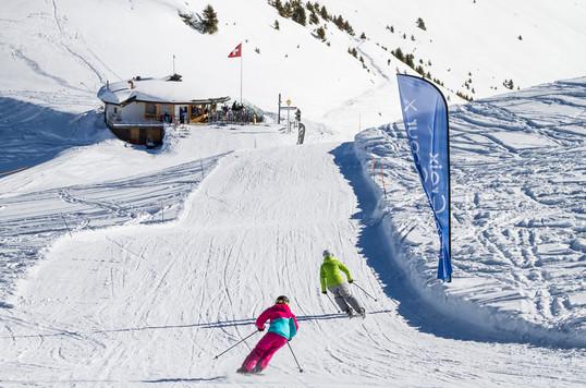 Accessible par les pistes de ski