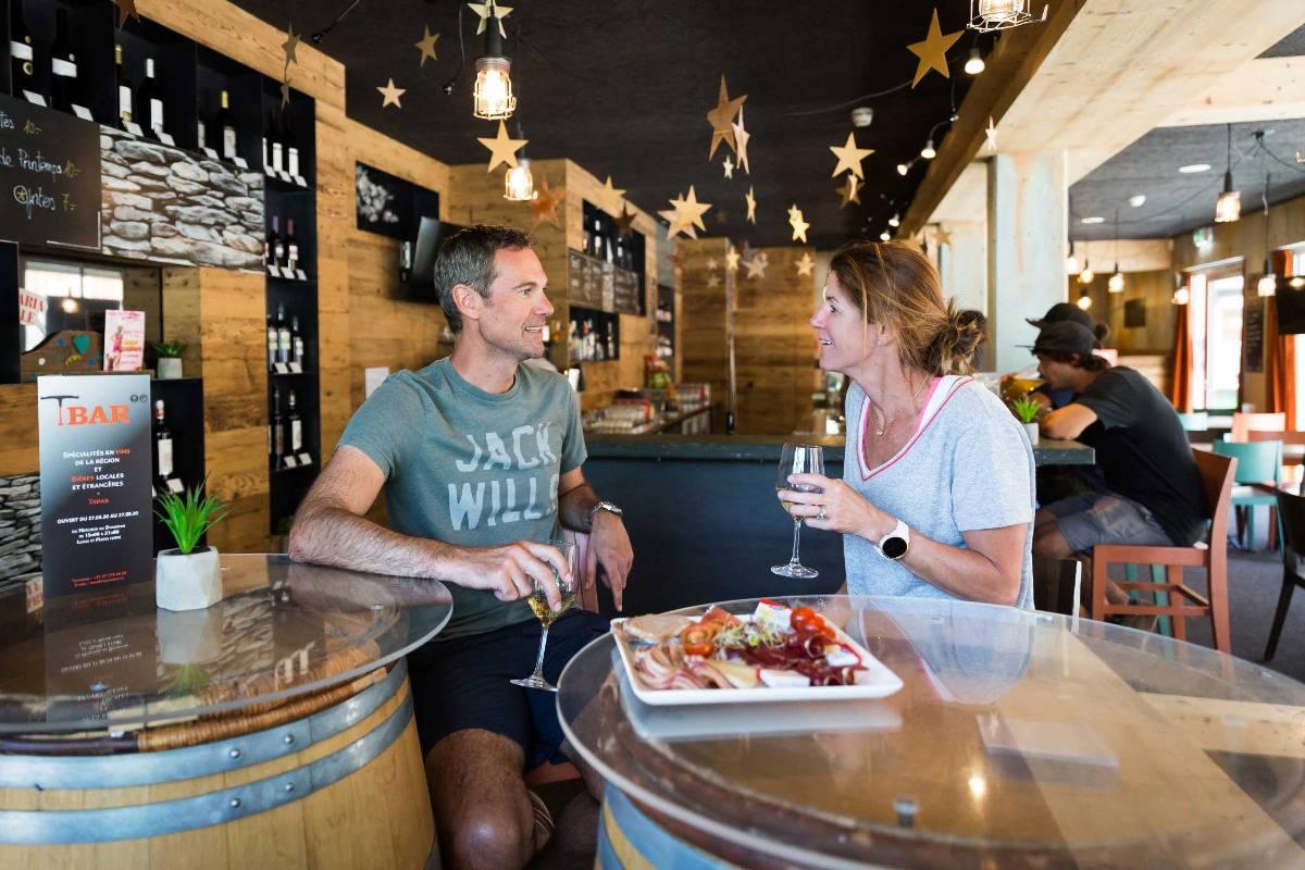 T-Bar, tapas, vins et bières