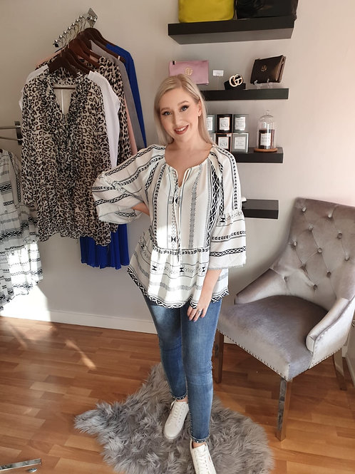 Black and white gypsy top by ICHI
