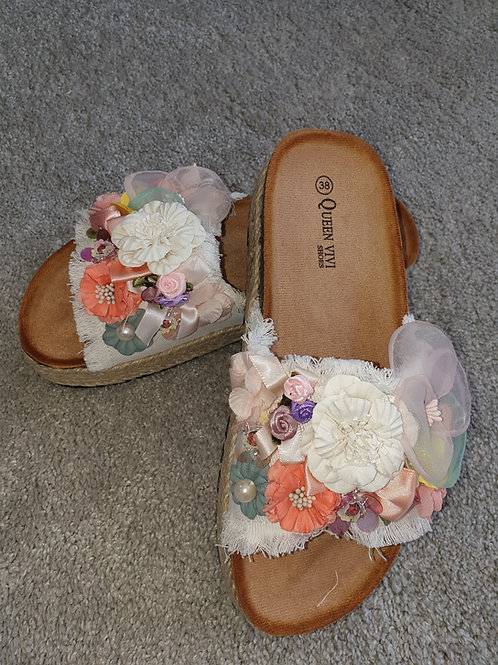 Handmade flower sliders