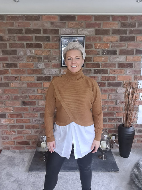 Camel polo jumper with shirt trim
