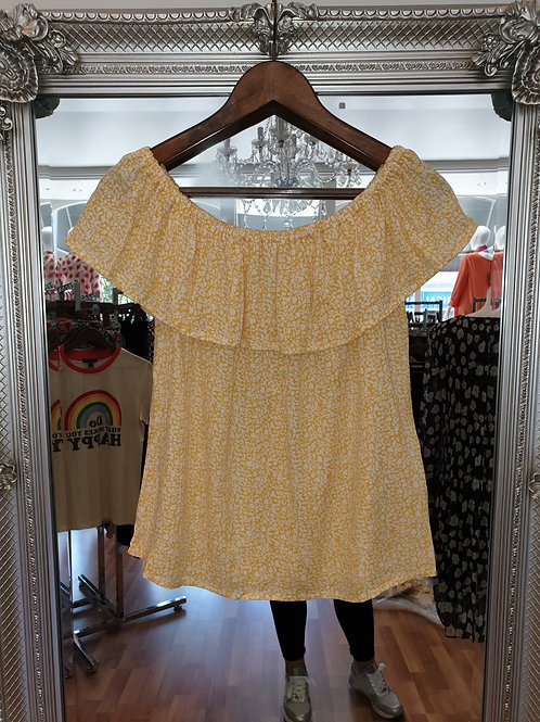 Yellow and white flower top by ICHI