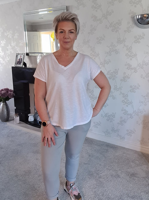 White v neck tee by Suzy D London